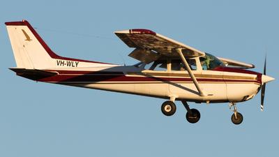 VH-WLY - Cessna 172N Skyhawk - Private