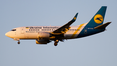 UR-GAS - Boeing 737-528 - Ukraine International Airlines