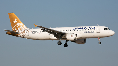YK-BAA - Airbus A320-212 - Cham Wings Airlines