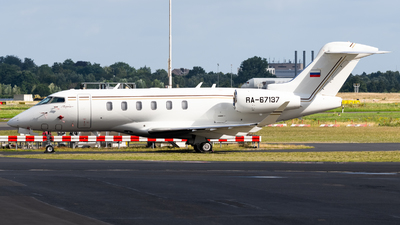 RA-67137 - Bombardier BD-100-1A10 Challenger 350 - Private