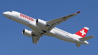 A picture of HBJCB - Airbus A220300 - Swiss - © László Kurilla