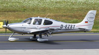 D-EZST - Cirrus SR22T-GTS - Private