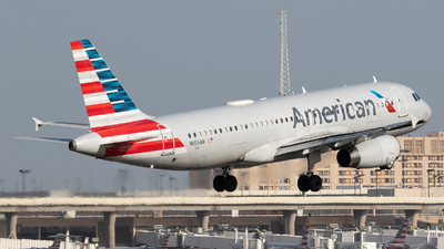 A picture of N656AW - Airbus A320232 - American Airlines - © Felipe Garcia