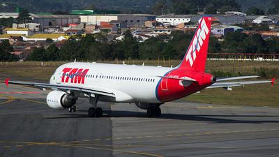 PR-MHW - Airbus A320-214 - TAM Linhas Aéreas