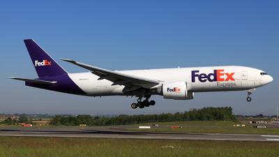 A picture of N889FD - Boeing 777FS2 - FedEx - © Helmut Schnichels
