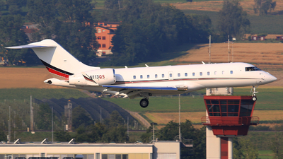 A picture of N113QS - Bombardier Global 5000 - NetJets - © Thomas Winklhofer