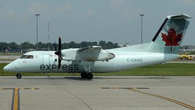 A picture of CGANQ - De Havilland Canada Dash 8100 - [096] - © Paul Davey