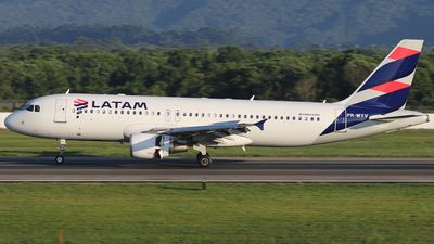 A picture of PRMYV - Airbus A320214 - LATAM Airlines - © JAKA