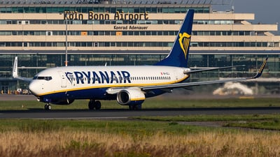 A picture of 9HQCJ - Boeing 7378AS - Ryanair - © Christoph Flink