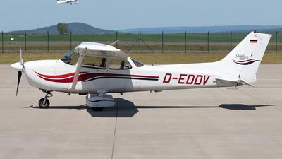 A picture of DEDDV - Cessna172S Skyhawk 2 - [172S8165] - © Arne P.