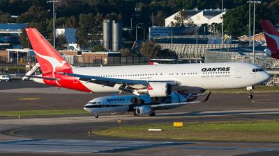VH-OGU - Boeing 767-338(ER) - Qantas