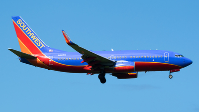 A picture of N416WN - Boeing 7377H4 - Southwest Airlines - © Felipe Betancur Montoya
