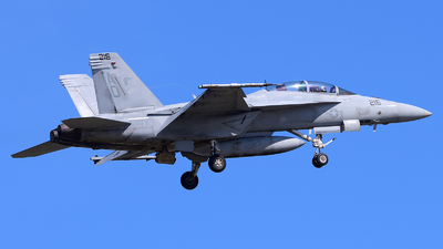 166658 - Boeing F/A-18F Super Hornet - United States - US Navy (USN)