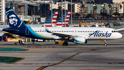 A picture of N363VA - Airbus A320214 - Alaska Airlines - © Brandon Giacomin
