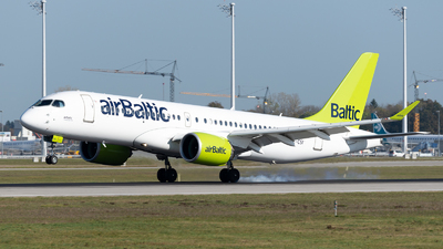 YL-CSI - Airbus A220-300 - Air Baltic