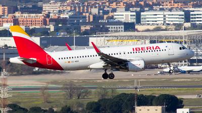 A picture of ECMDK - Airbus A320214 - Iberia - © Alejandro Gutierrez Martin