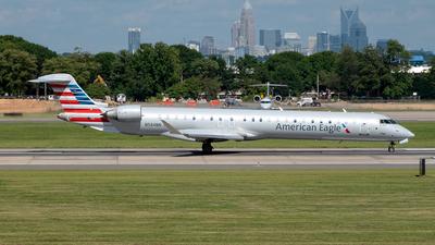 A picture of N584NN - Mitsubishi CRJ900LR - American Airlines - © Yan777