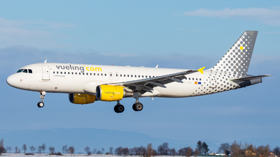 EC-MBF - Airbus A320-214 - Vueling Airlines