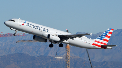 A picture of N540UW - Airbus A321231 - American Airlines - © Rocky Wang