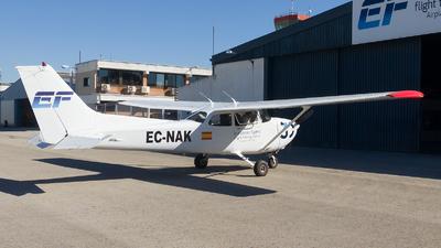 EC-NAK - Cessna 172R Skyhawk - European Flyers