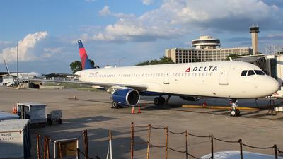 N102DN - Airbus A321-211 - Delta Air Lines