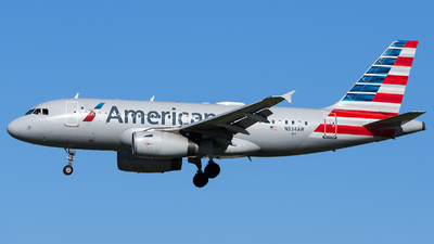 A picture of N834AW - Airbus A319132 - American Airlines - © Marco Papa
