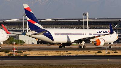 CC-BDA - Boeing 767-316(ER) - LATAM Airlines
