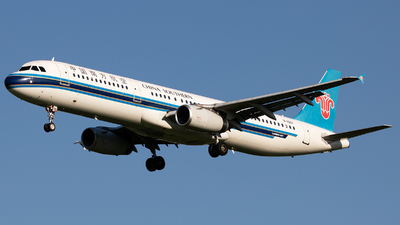 A picture of B2281 - Airbus A321231 - China Southern Airlines - © Wang Jiasheng