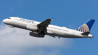 N454UA - Airbus A320-232 - United Airlines