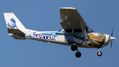 A picture of N4972R - Cessna 172H Skyhawk - [17256326] - © Shimizu Brothers