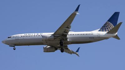N76528 - Boeing 737-824 - United Airlines