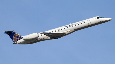 A picture of N15986 - Embraer ERJ145LR - United Airlines - © Brock L