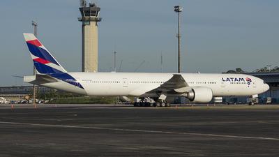 PT-MUC - Boeing 777-32WER - LATAM Airlines