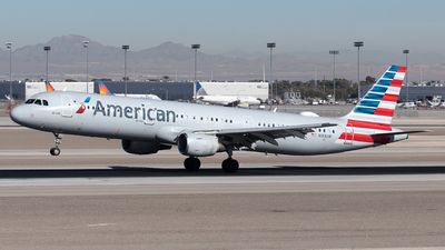 A picture of N183UW - Airbus A321211 - American Airlines - © Yixin Chen