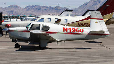N1960 - Mooney M20A - Private