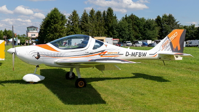 D-MFBW - Flying Machines FM250 Vampire - Private