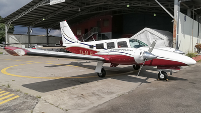 TI-ALH - Piper PA-34-200T Seneca II - Escuela Costarricense de Aviación (ECDEA)