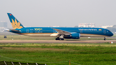 A picture of VNA873 - Boeing 78710 Dreamliner - Vietnam Airlines - © Huy Do