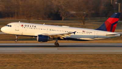 A picture of N347NW - Airbus A320212 - Delta Air Lines - © Nick Neiger