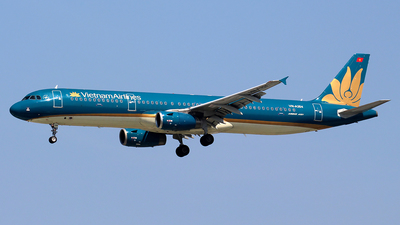 A picture of VNA354 - Airbus A321231 - Vietnam Airlines - © Huy Do