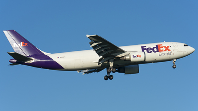A picture of N665FE - Airbus A300F4605R - FedEx - © Wes B