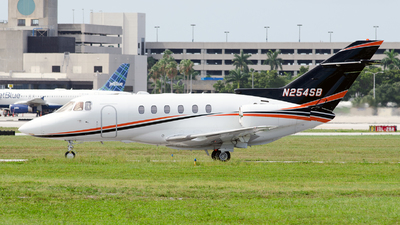 A picture of N254SB - Hawker 800XP - [258616] - © Victor Batista