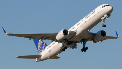 A picture of N14107 - Boeing 757224 - United Airlines - © Positive Rate Photography