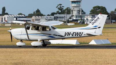 A picture of VHEWU - Cessna 172S Skyhawk SP - [172S10292] - © Michael Demura