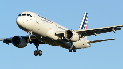 A picture of FHBNG - Airbus A320214 - Air France - © Romain Salerno / Aeronantes Spotters