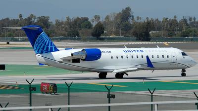 A picture of N457SW - Mitsubishi CRJ200LR - United Airlines - © Jason Whitebird