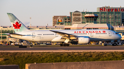 A picture of CGHPT - Boeing 7878 Dreamliner - Air Canada - © Eric Sun