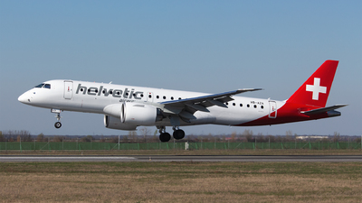 A picture of HBAZA - Embraer E190E2 - Helvetic Airways - © Robert Dumitrescu