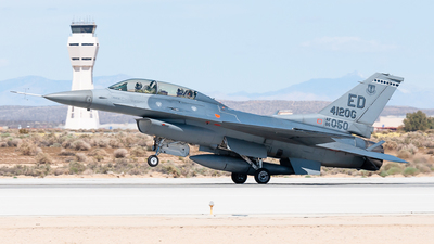 86-0050 - General Dynamics F-16D Fighting Falcon - United States - US Air Force (USAF)