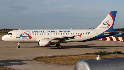 VP-BQY - Airbus A320-211 - Ural Airlines